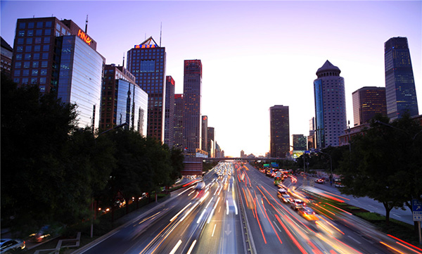 「全媒体广告投放平台」北京公交车广告值得投放吗?