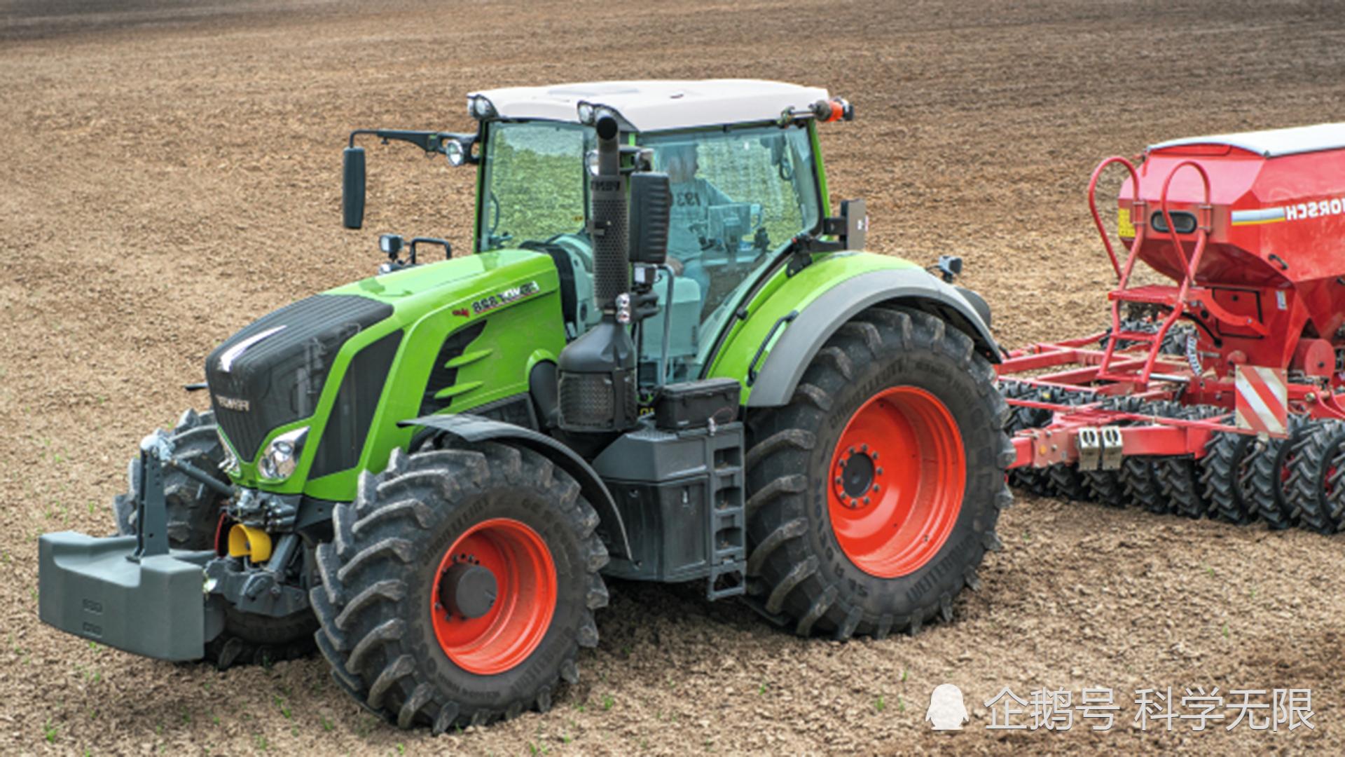 Fendt 828Vario拖拉機耕地,既能農業生產又能運輸