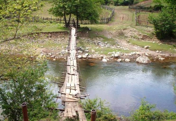 心理測試:假如有4個獨木橋,哪個最難走?測你這一生有多坎坷!