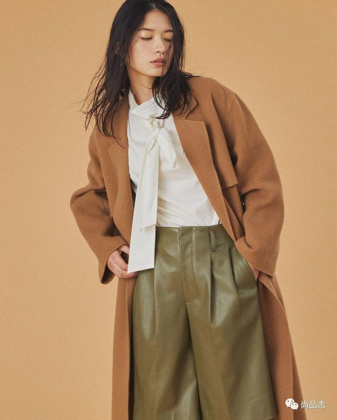 「大衣与外套你选哪件」秋冬必须要有这3件大衣!