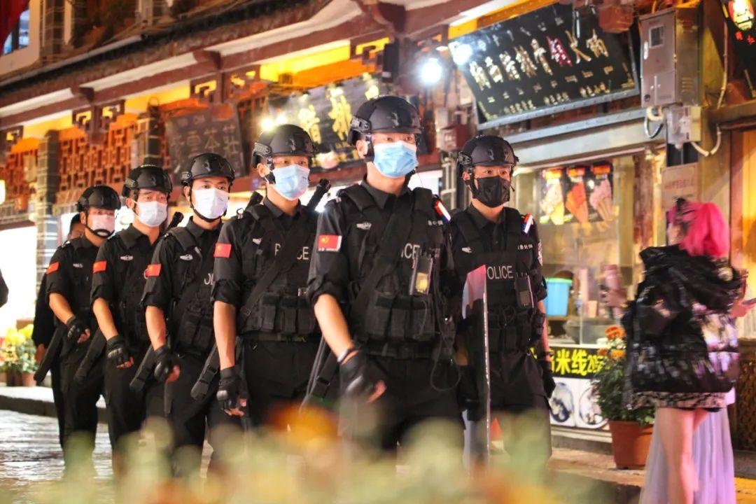 「肯定扫黑除恶」冲在扫黑除恶一线!抓捕黑社会组织、疫情护送武汉人员,他们都在