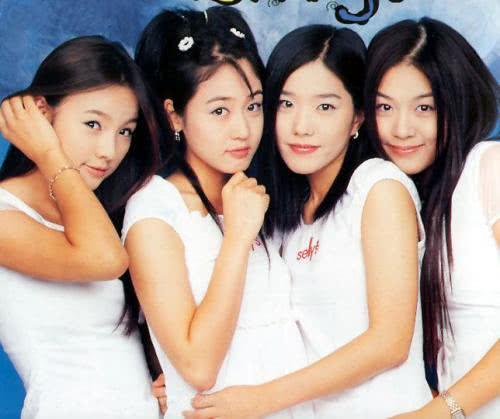 一代韩国女团14年后再合体,宋慧乔现身评论区留言