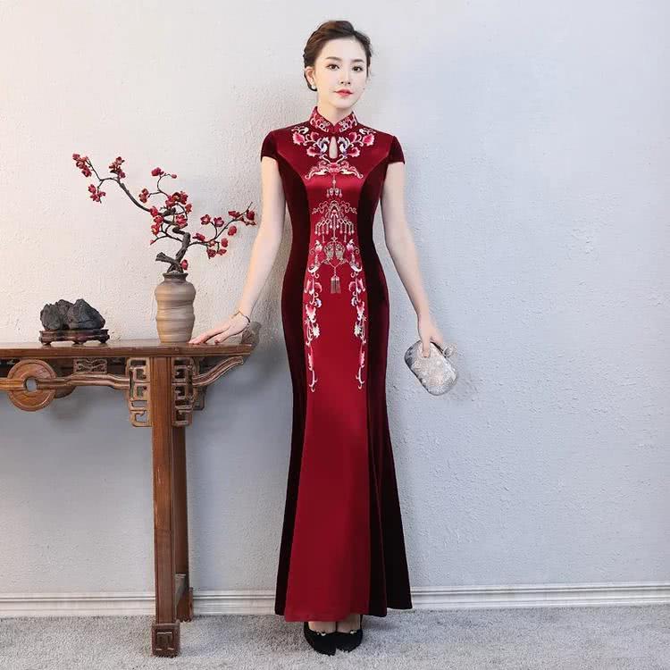 华贵水滴领刺绣旗袍,奢华大气,走秀可选!