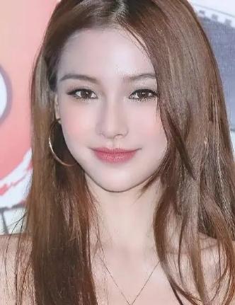 杨颖10年前模特照片曝光,日系妆容颜值高,与现在区别太大