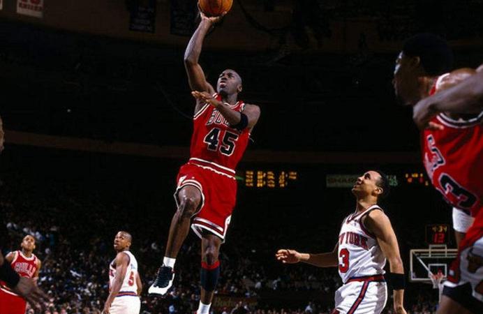 """NBA球员都""""特殊""""天赋,伦纳德的大手掌,他臂展有259CM"""