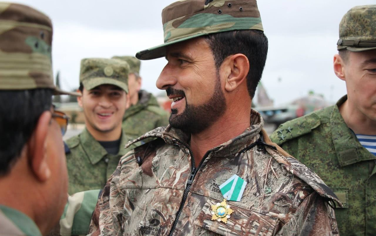 叙利亚叛军声东击西,大批精锐集结反攻,老虎师临危受命堵枪眼