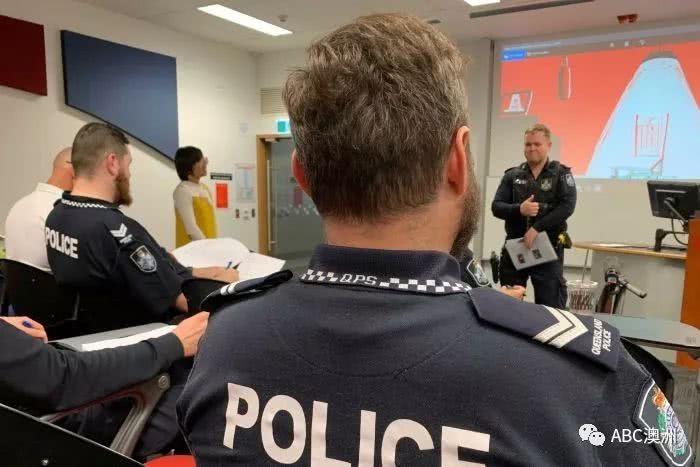 最近火爆朋友圈的澳洲网红警察蜀黍:流利普通话查酒驾