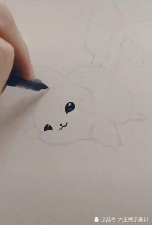 美术生手绘皮卡丘,胖嘟嘟的非常萌,网友:改名屁卡丘吧