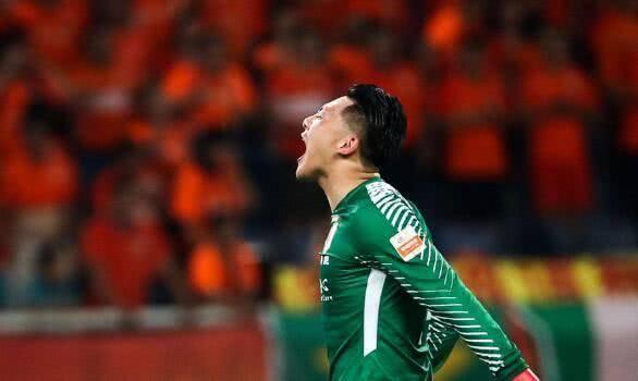 他因发挥不佳差点被鲁能球迷骂走,足协杯迎爆发,未来或终老球队