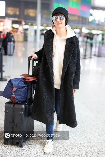 《中国机长》首映袁泉美出新高度