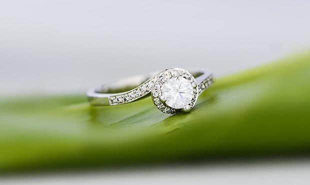 七夕情人节求婚要如何挑选求婚钻戒?如何掌握钻戒的价格?