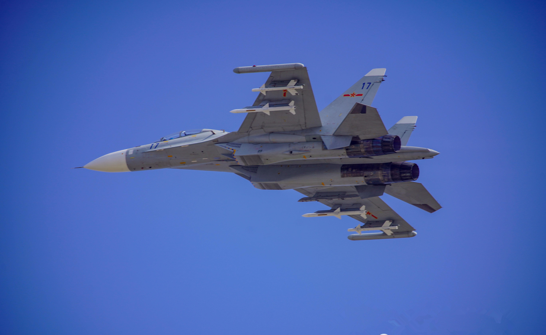 苏35即将装备国产导弹,300里外就能击落F16,空战性能接近歼20