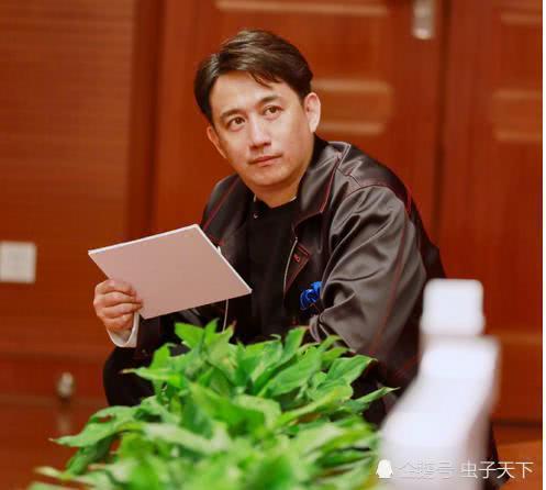 算上今晚,贾乃亮出场比黄磊还多,他俩谁是极限挑战常驻嘉宾?