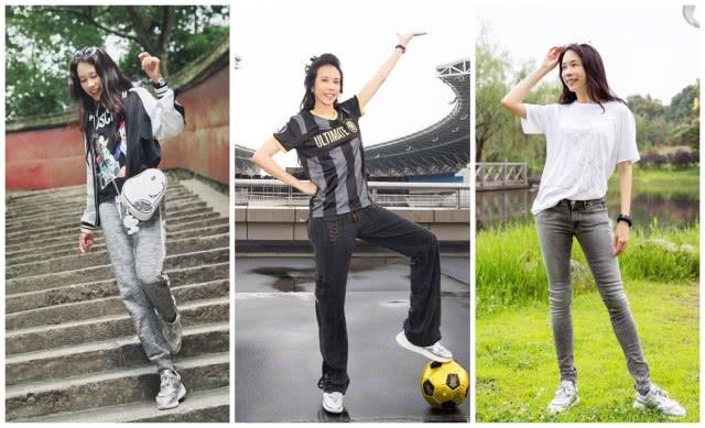 49岁莫文蔚总算露腿!白短裙搭足球袜活力十足,高马尾依旧少女