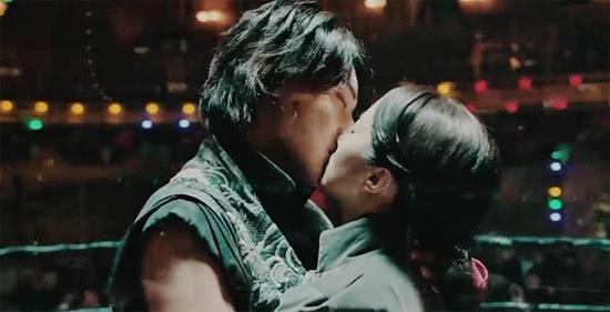 《热血同行》崇利明扬国威树风貌 黄子韬擂台吻