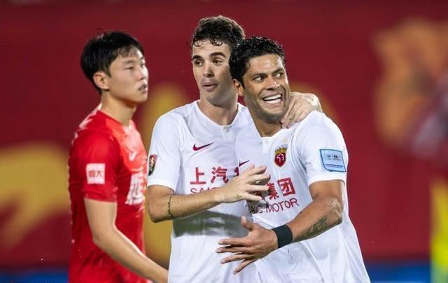他差点被上港球迷骂走,如今足协杯进球救主,再次迎来强势爆发