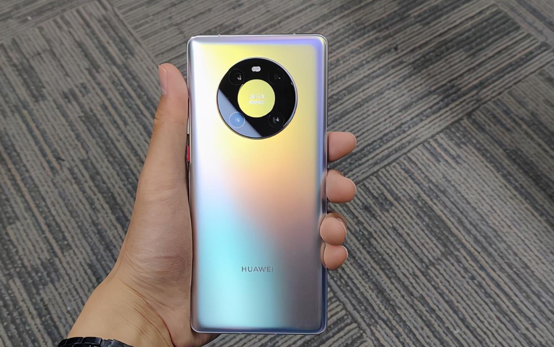「华为2020年上市的手机有哪些」包揽第一第二!华为年度新品重磅发布,性能反超小米可惜货不多