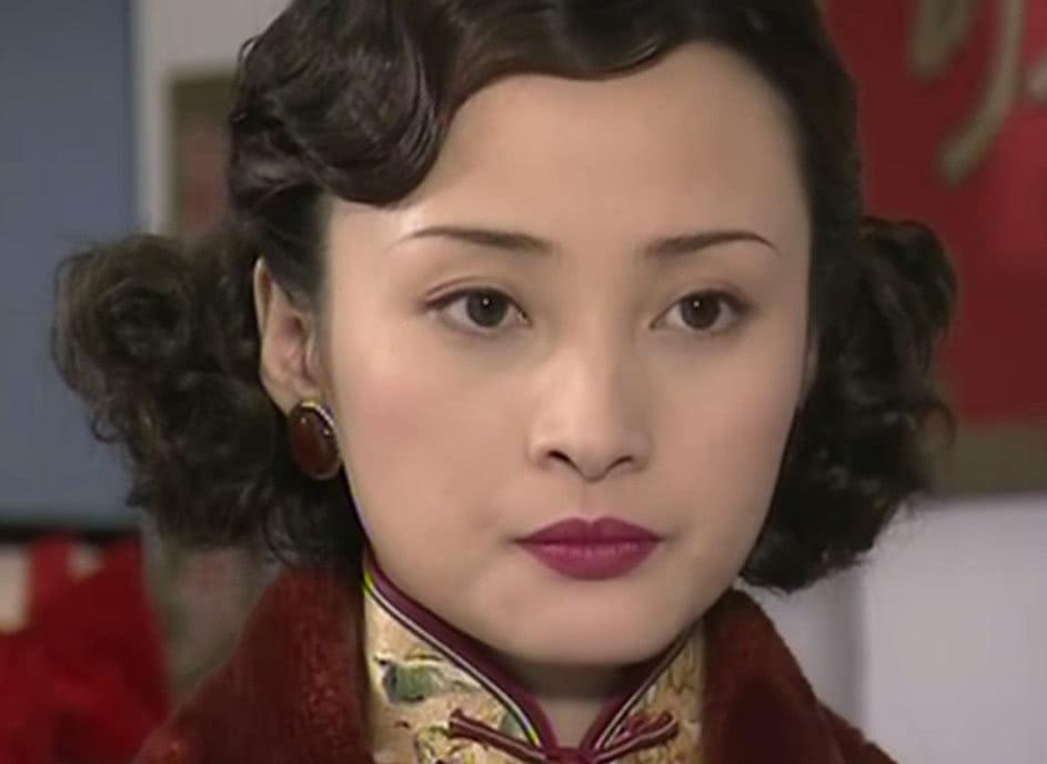 曼璐的婚姻并不受人嘲笑,拥有那样的家庭才是她的悲剧