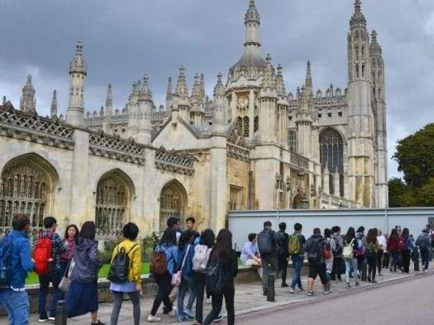 <b>中国游学团遍布英国名校!然而家长却控诉:实在是身不由己!</b>