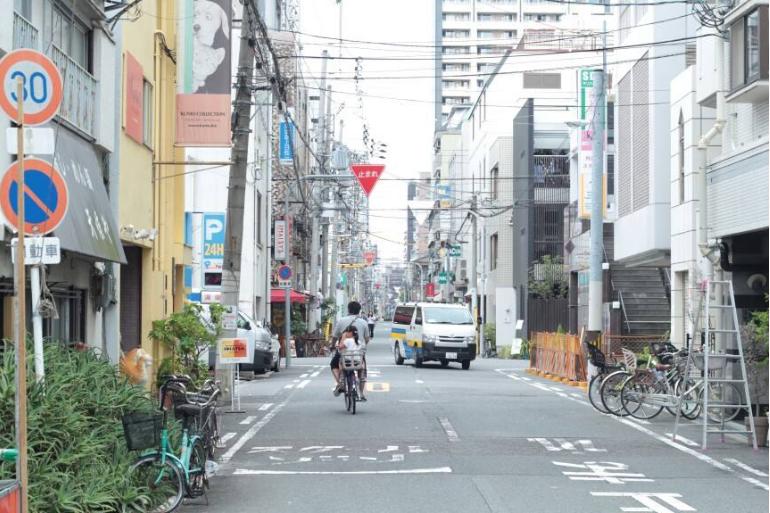 揭秘日本空城现象,日本人都去哪里了?免税店员工比客人还多!