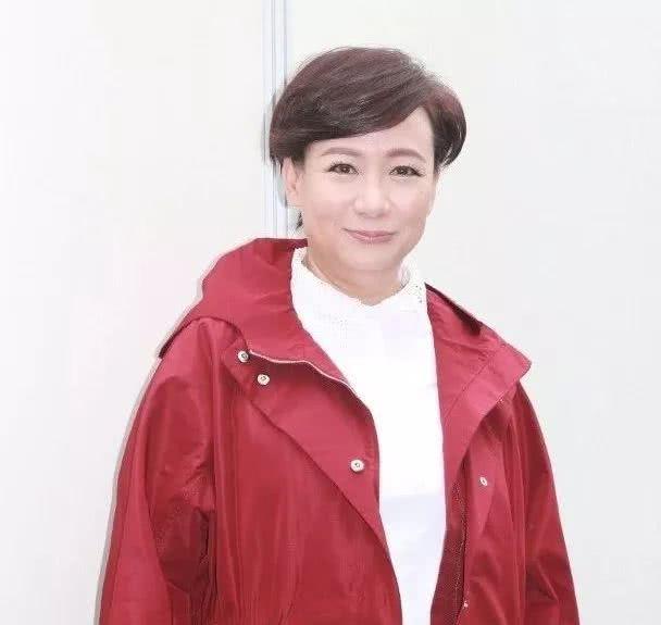 <b>TVB资深演员时隔5年回巢拍剧 要求加工资被公司拒绝</b>
