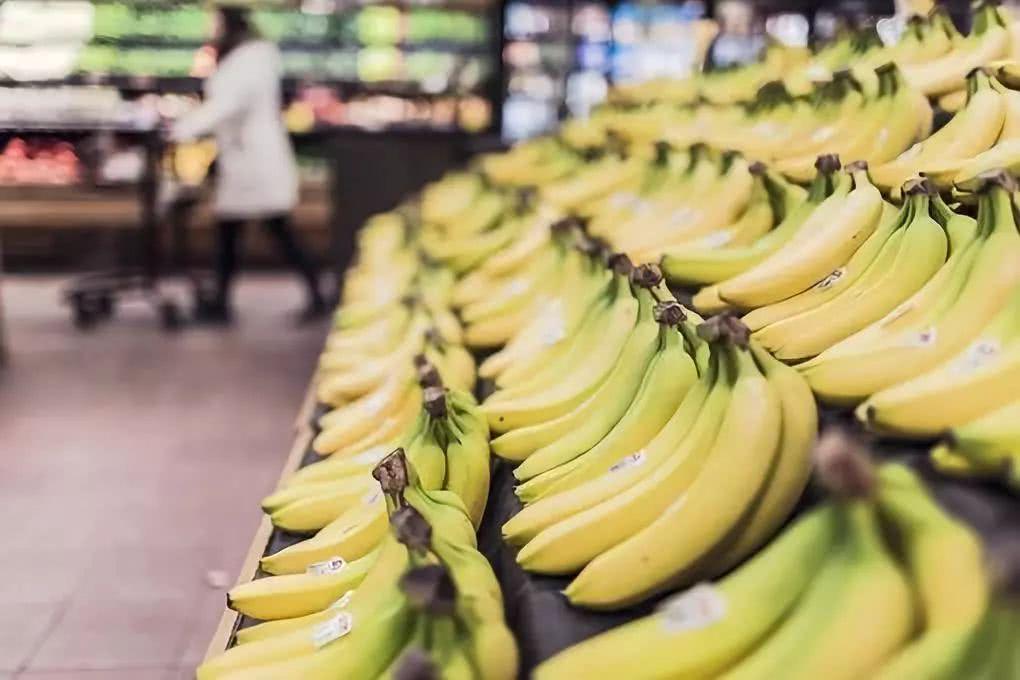 香蕉和蜂蜜一起蒸来吃?香蕉可以和蜂蜜一起吃吗?