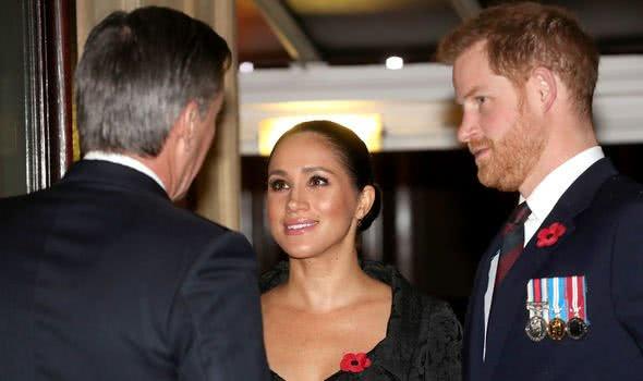 哈里为梅根离开王室,现在悔恨不已?知情人曝光哈里真实心理状态