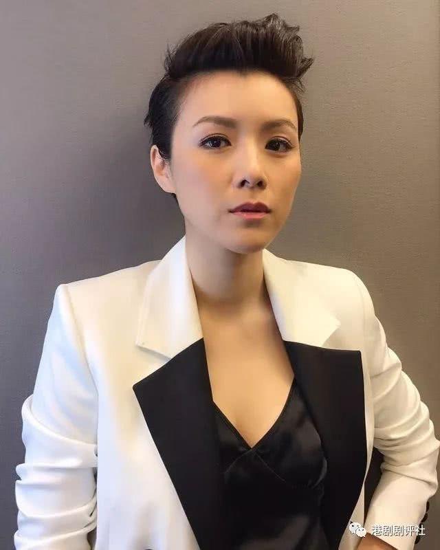 前TVB花旦晒16岁清纯少女照 网友赞她是天然美女