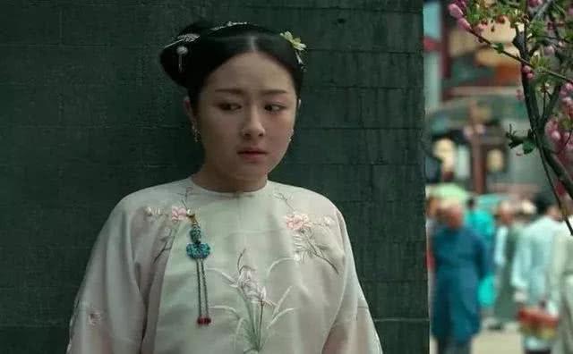 辛云来回应抱不动李兰迪:拍骑马戏扭伤了右手,她并不重