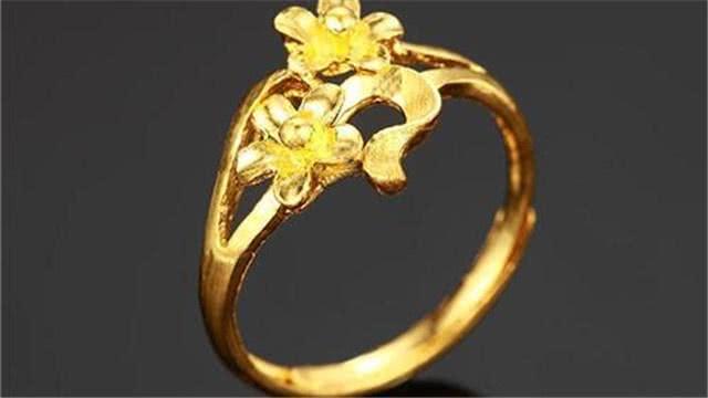 占卜:4款戒指,哪款跟你手上的像?测你婚后是阔太太还是黄脸婆