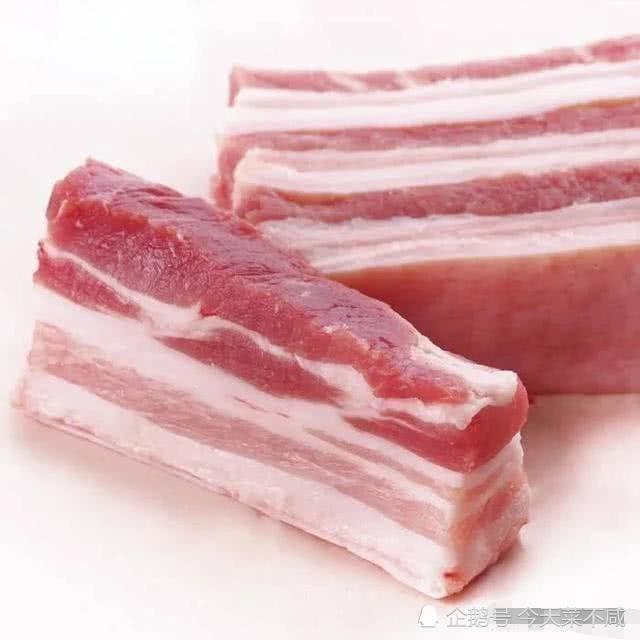 五花肉炒不好?大厨教你这样做,肥而不腻,一人吃一盘还想要