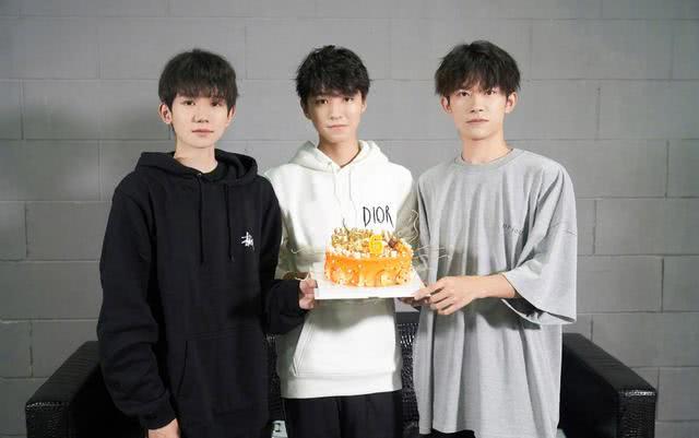王俊凯、王源、易烊千玺同时为演唱会发文,从微博互动量看谁更红