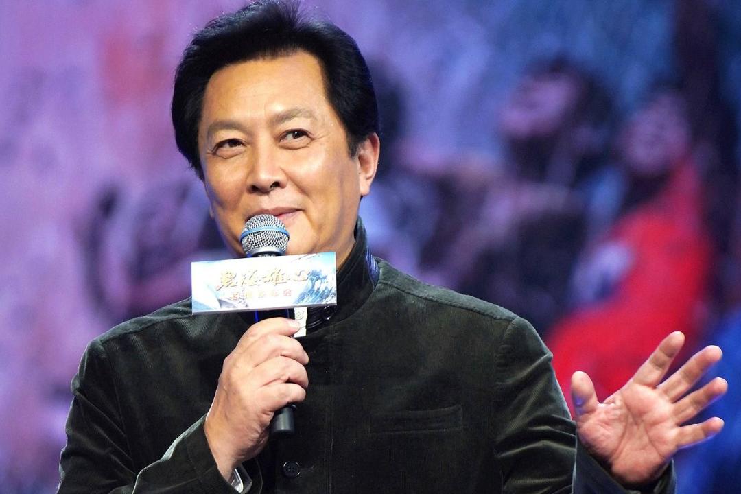 唐国强谈年轻演员被网络暴力,金句频出,不愧是老艺术家