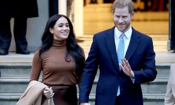 """英媒:哈里梅根离开产生多米诺效应,英女王长外孙离婚恐""""效仿"""""""