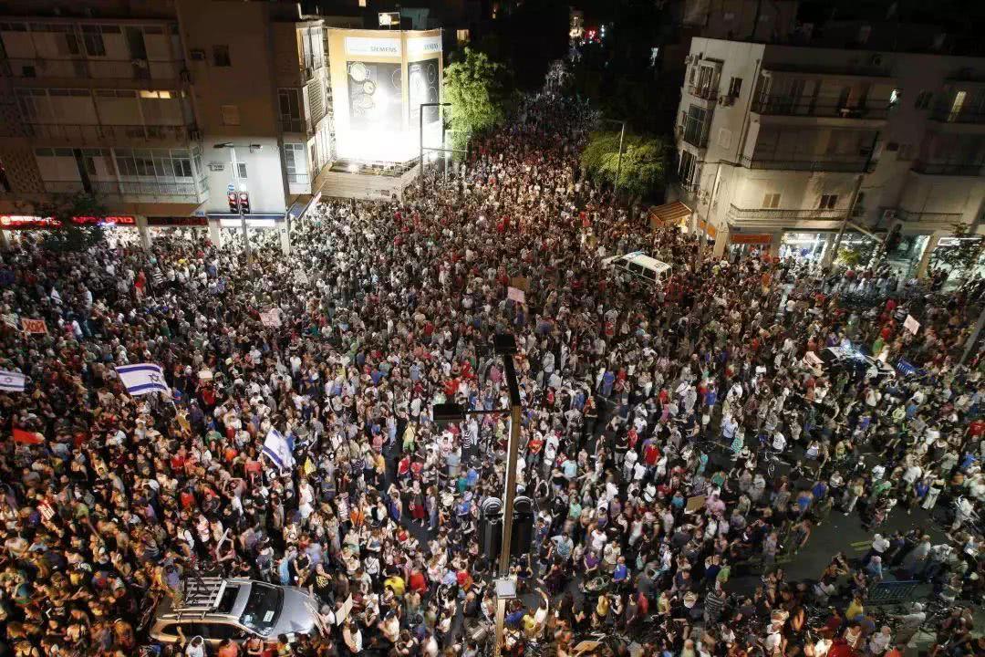 大规模抗议活动席卷伊朗,哈梅内伊信任危机,伊朗政权会倒台吗