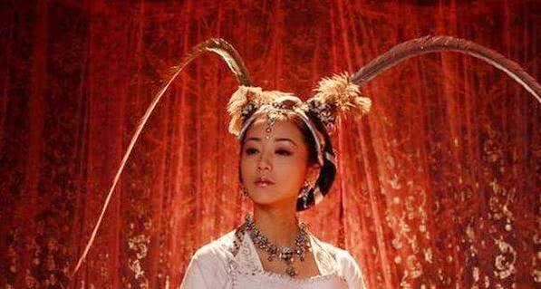 【真人show】陈红头上挂扫把,秦岚头上挂小猪佩奇,最服她头上的一棵树!