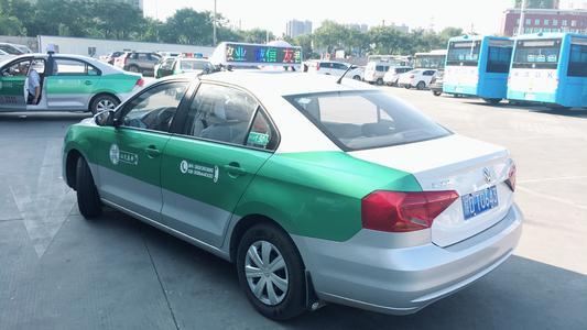 「网约车和出租车的区别在哪里」投放出租车广告具有哪些优势?