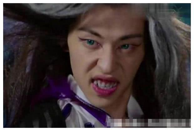 都是演妖精,邓伦靠美瞳,刘亦菲靠做鬼脸,只有她靠气质!
