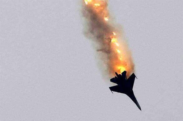 印度重兵包围巴铁,头号战机却撞地爆炸,美:这还怎么打仗?