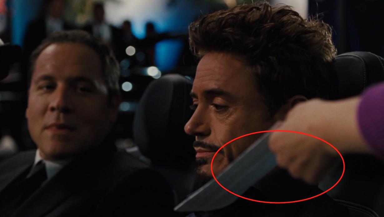 "<b>钢铁侠有一个""怪癖"",他从不接别人递给他的东西,唯独这一次破例!</b>"