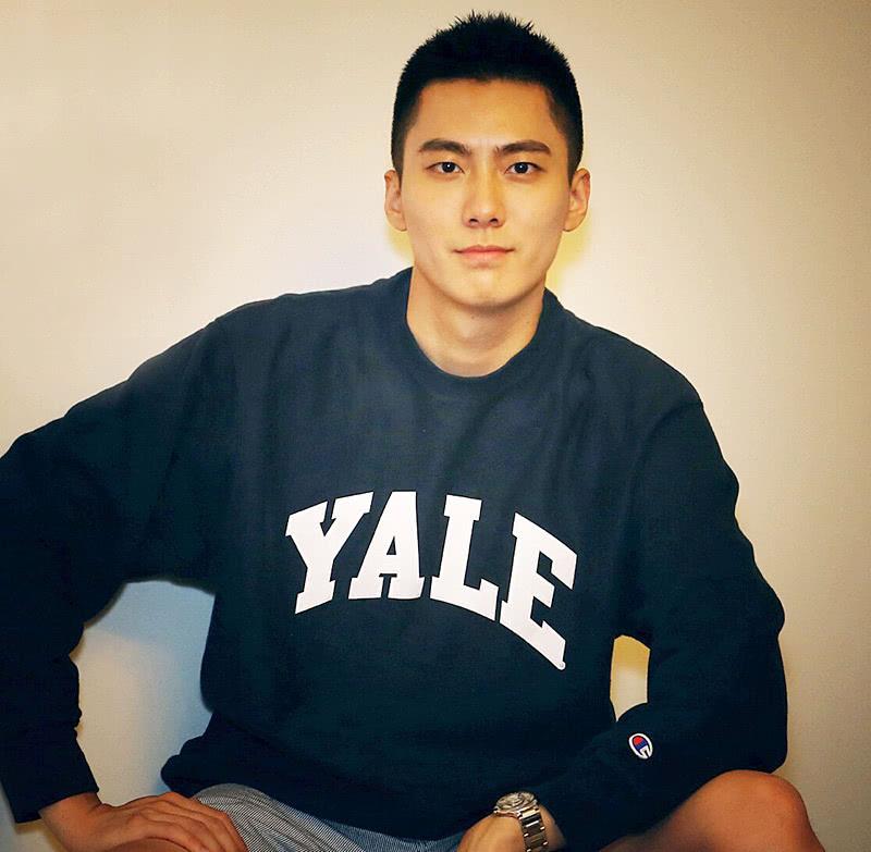 """<b>""""国民学长""""李拓远:18岁就读耶鲁大学,25岁考进哈佛商学院MBA</b>"""