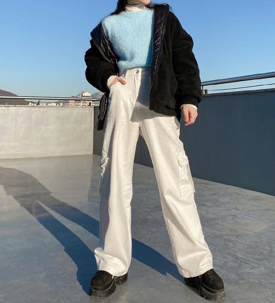小个子没气场短外套配高腰裤,帅气时尚自成一派