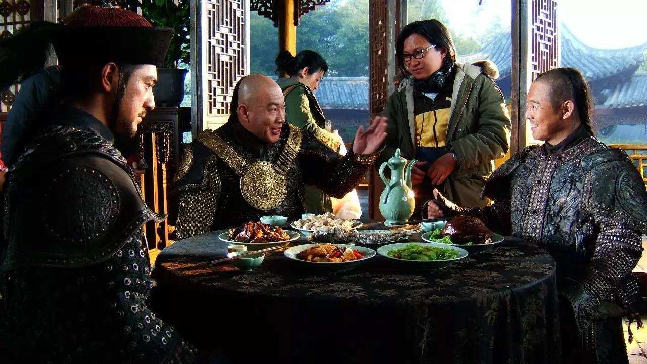 三核男主角同工却不同酬,李连杰狂收1亿片酬赚翻,金像奖又击败刘德华