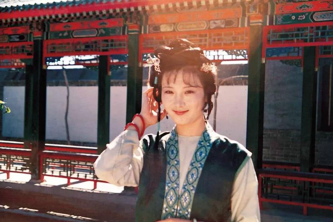 《红楼梦》里王熙凤不敢得罪的丫鬟是谁