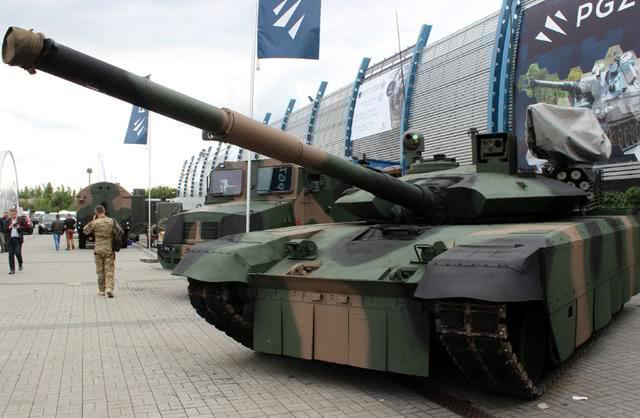 自力更生!东欧小国居然能造三代坦克 外形科幻堪称外星战车