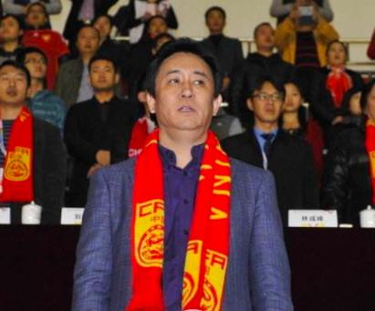7冠王为中国足球立大功,只用300万把度假天堂升级成中国主场