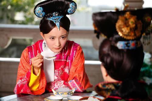 她是历史上的晴川,10岁与八阿哥订婚,却被雍正挫骨扬灰!