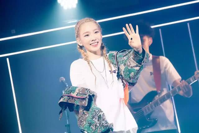 <b>少女时代泰妍亲妹妹Cover泰妍新歌,有家族基因真的不一样啊</b>