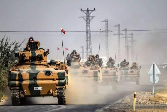 伊朗迎来大转机!中东大国出兵包围美军基地,大批美战机面临驱逐