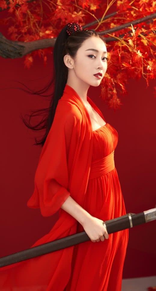 """有一种""""红衣师姐""""叫宣璐,犀利眼神帅气十足,气场一米八既视感"""
